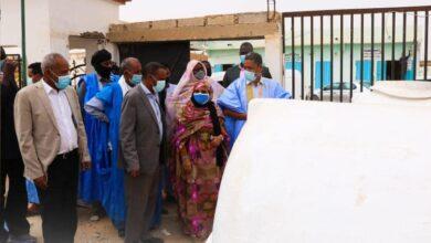 صورة عمدة البلدية يتسلم 10 خزانات لتوفير الماء في الأحياء الفقيرة