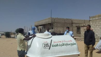 Photo of بلدية توجنين توزّع خزانات لتوفير الماء في الأحياء الفقيرة